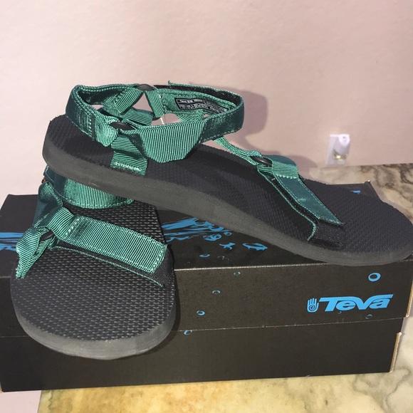 d75f53666ee1 BRAND NEW Teva Original Universal Sandal Green